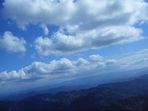 尾神岳周辺から関田山脈方向